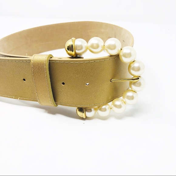Accessories - Gold Belt with Large Pearl String Buckle